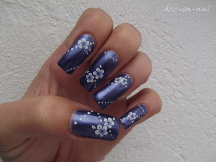 Metallic blue flowers 1