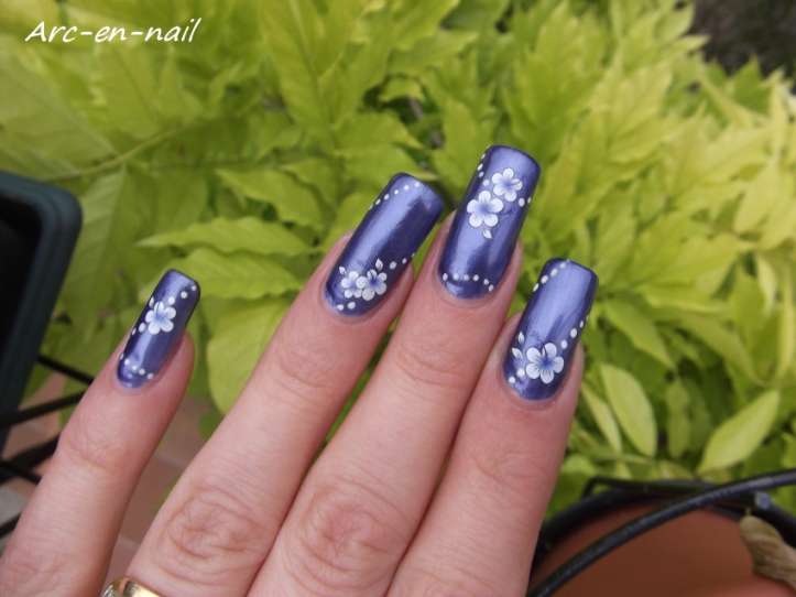 Metallic blue flowers 3