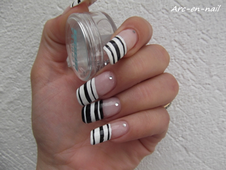 Nail art French zebrée 1