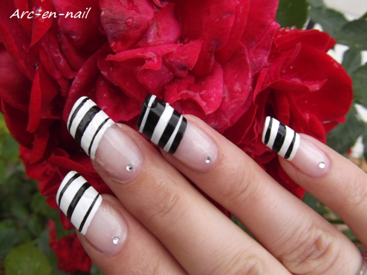 nail art French zebrée 4