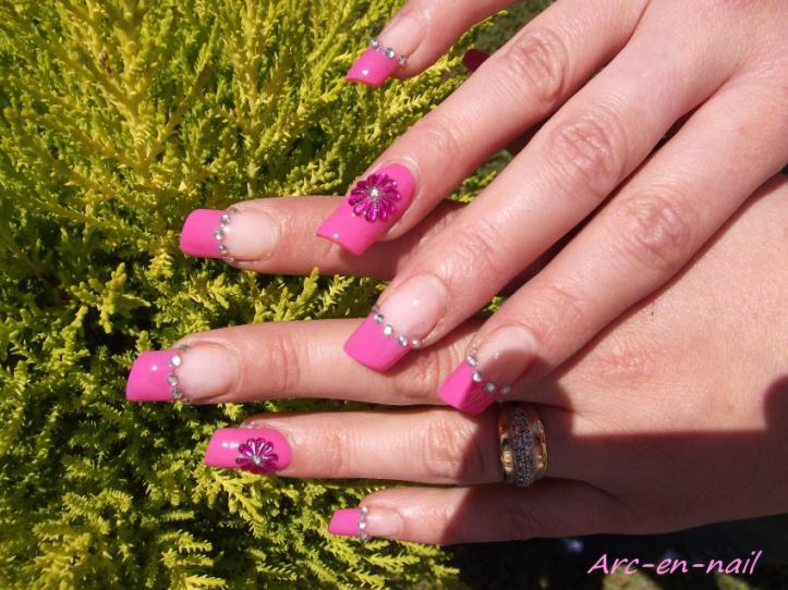 Nail art Tout en strass 2