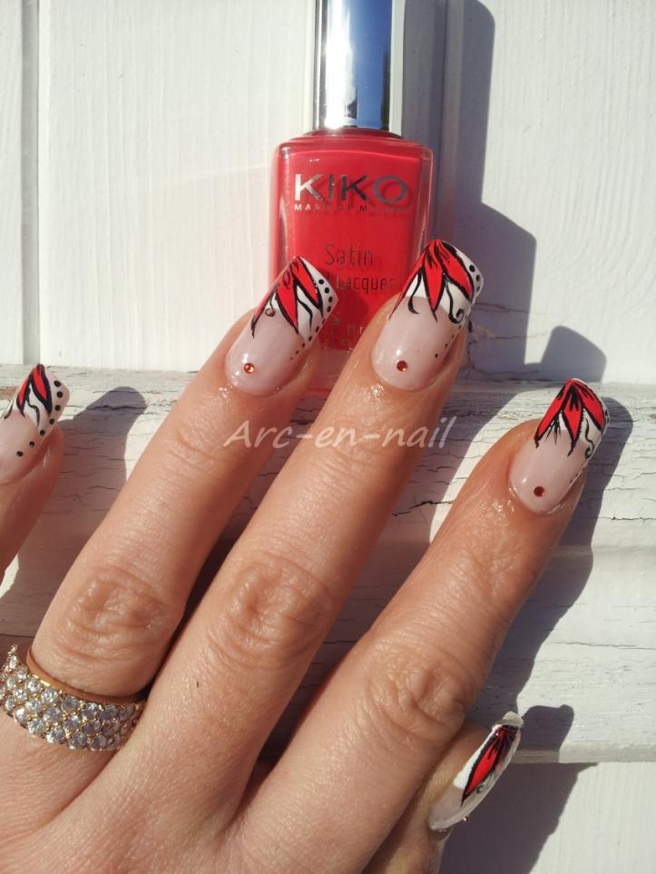 Nail art Fleur flashy 1