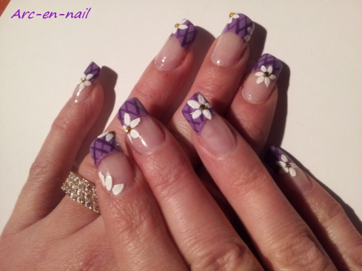 Nail art Grillage fleuri 2