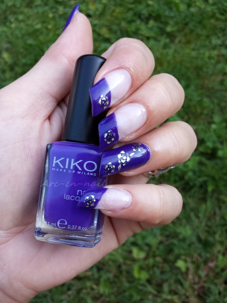 Nail art Purple flowers 2