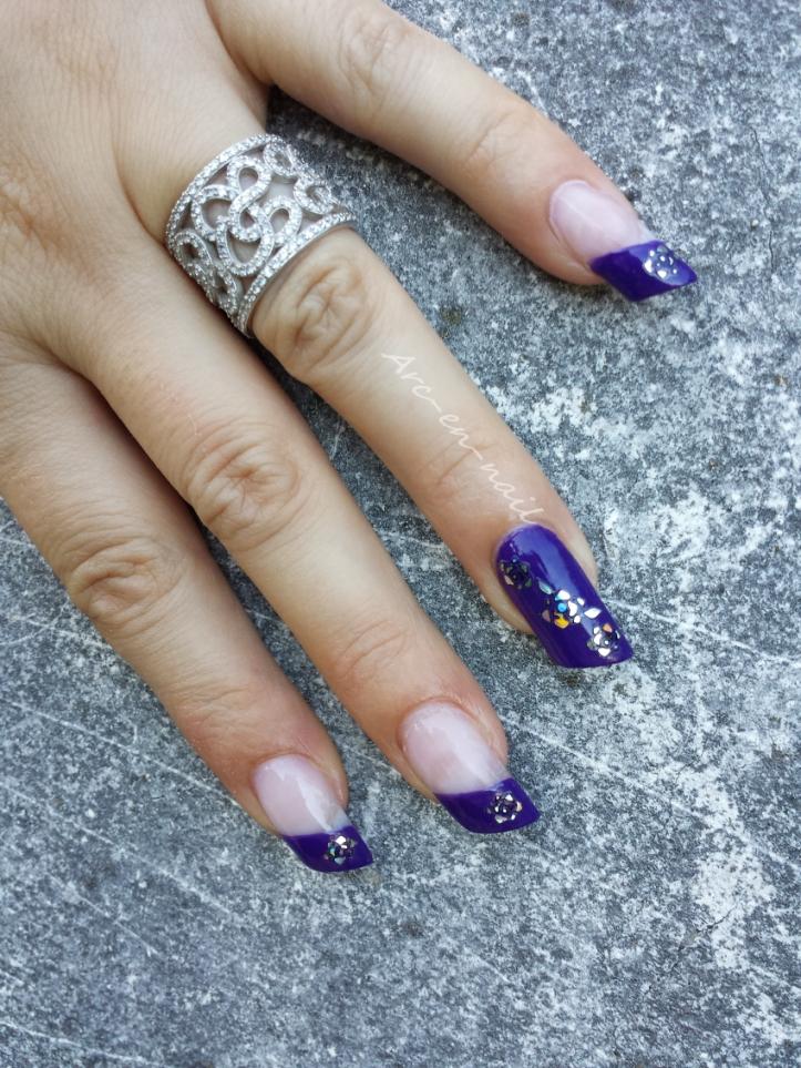Nail art Purple flowers 3