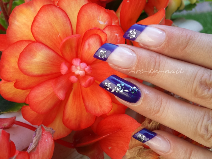 Nail art Purple flowers 4