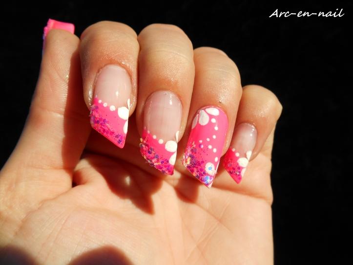 Nail art Poptastic flowers 3