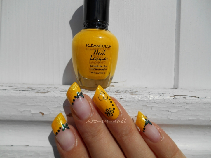 Nail art Yellow french 1