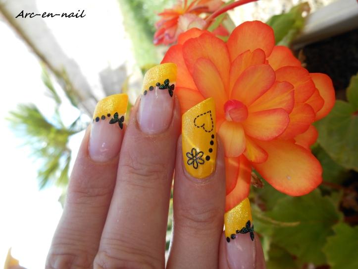 Nail art Yellow french 2