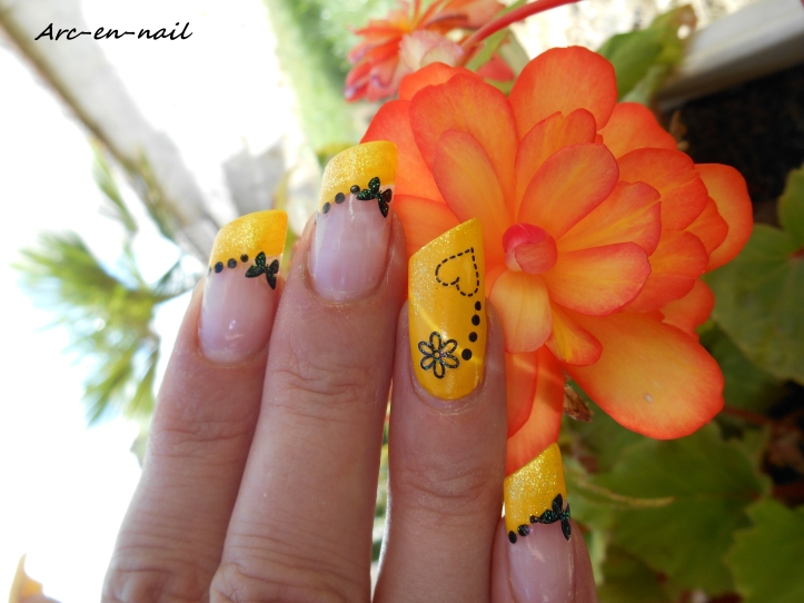 Nail art Yellow french 2