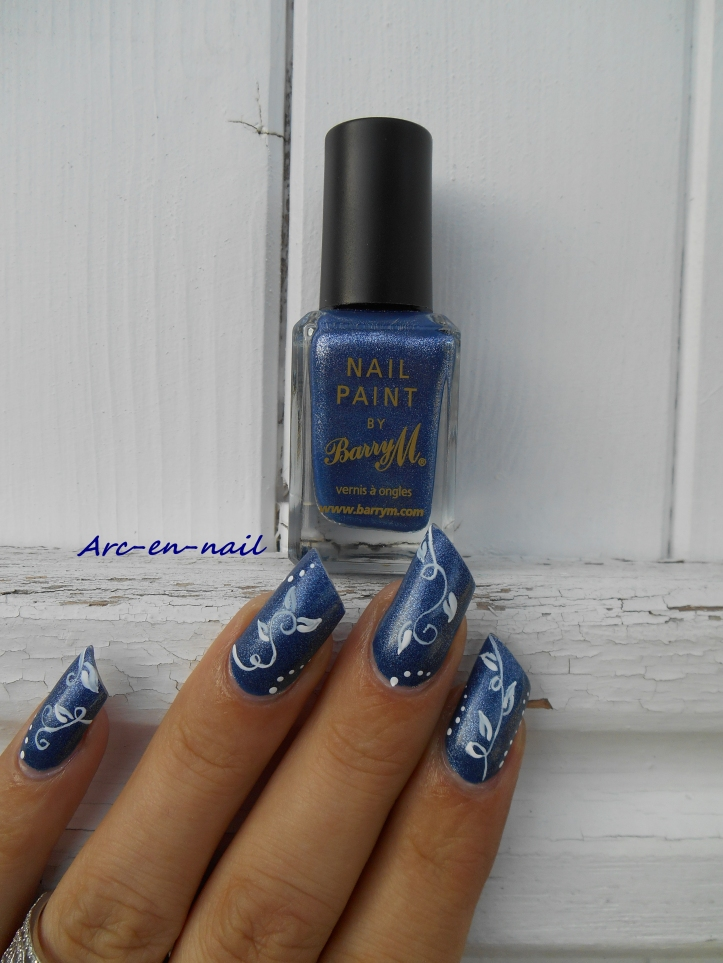 Nail art Liseret blanc & denim 4