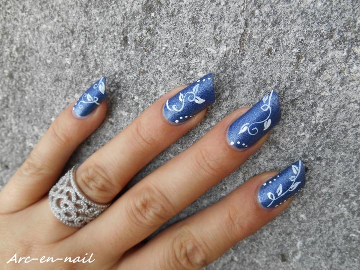 Nail art Liseret blanc & denim 5