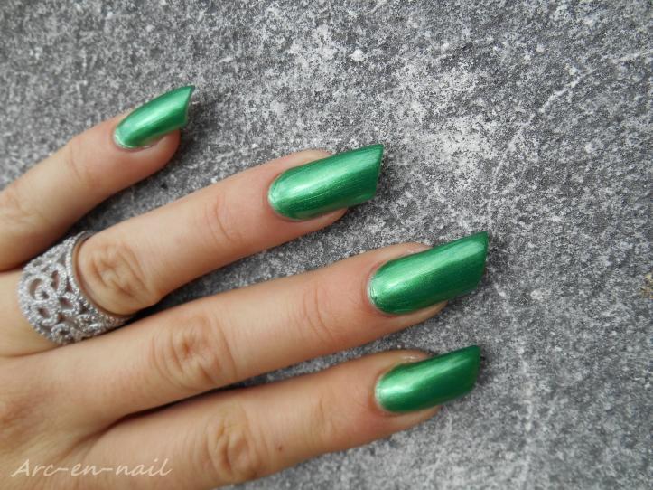 BARRY M 284 Emerald green 2