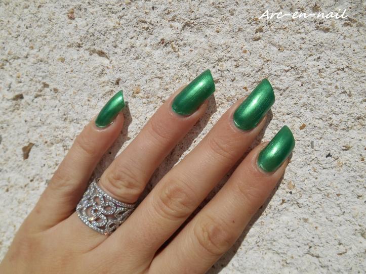 BARRY M 284 Emerald green 3