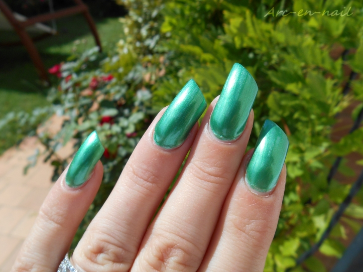 BARRY M 284 Emerald green 4