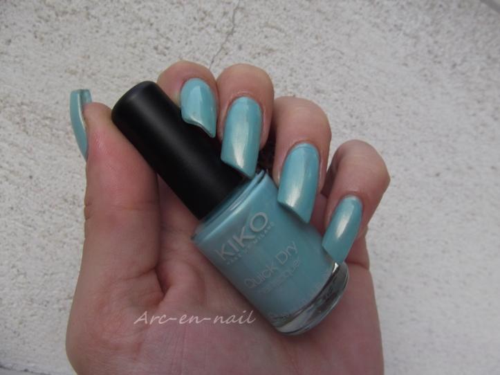 KIKO Quick dry 834 Bleu ciel 4