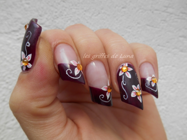 Nail art Dark flowers 6