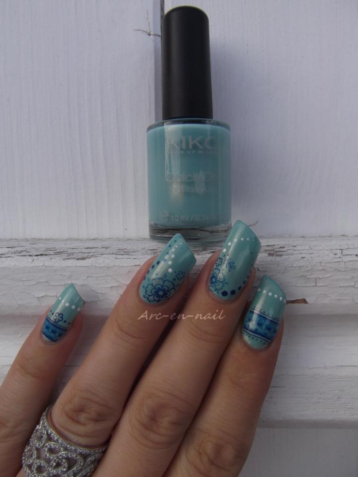 Nail art Fleurs bleues 3