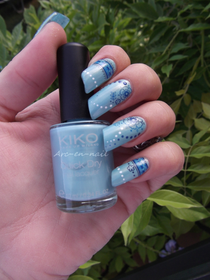 nail art Fleurs bleues 4