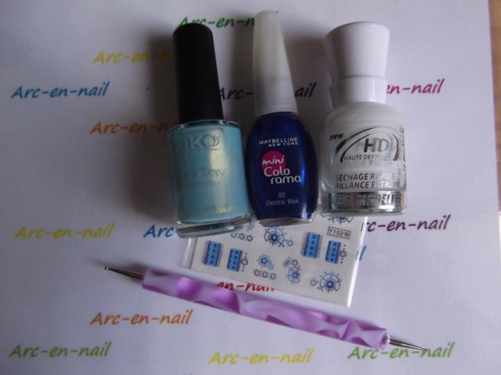 nail art Fleurs bleues matériel