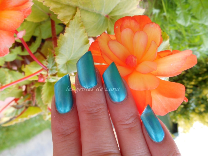 Claire's Metallic teal 1