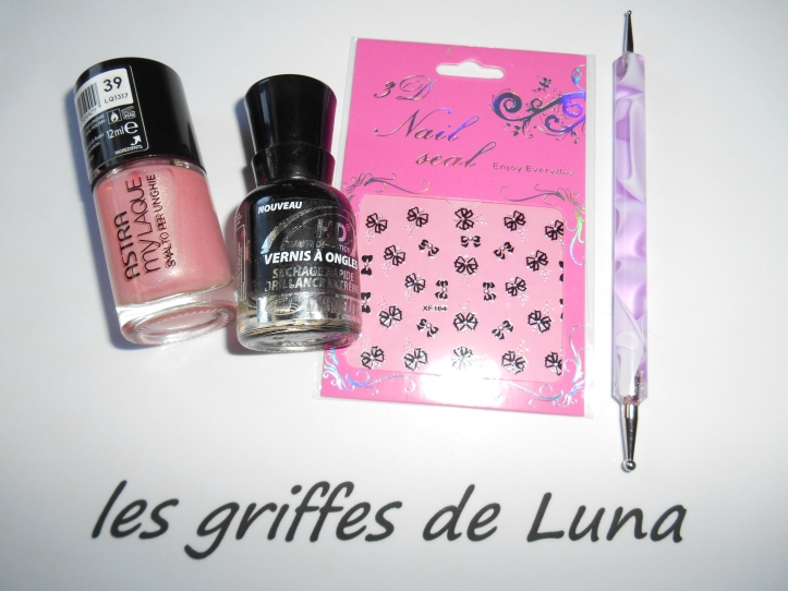 Nail art Romantique by onglesonline materiel