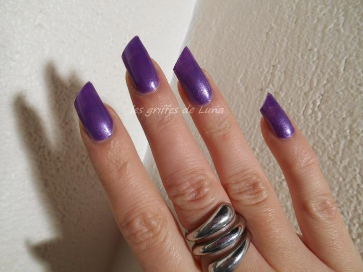 HemA 829 violet 3
