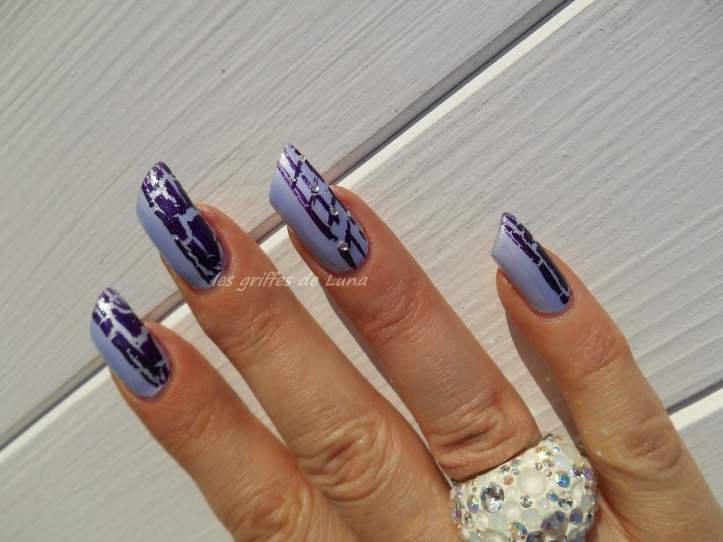 Nail art Purple crakle 1