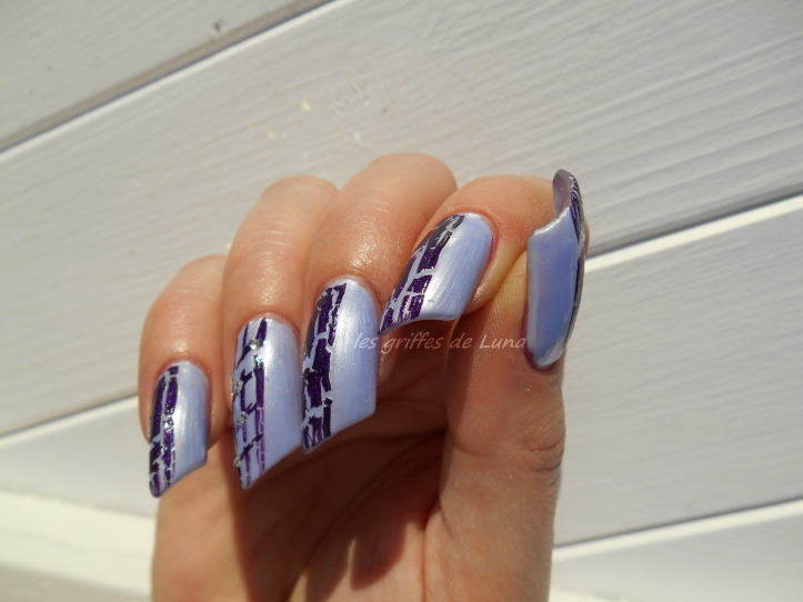 Nail art Purple crakle 4
