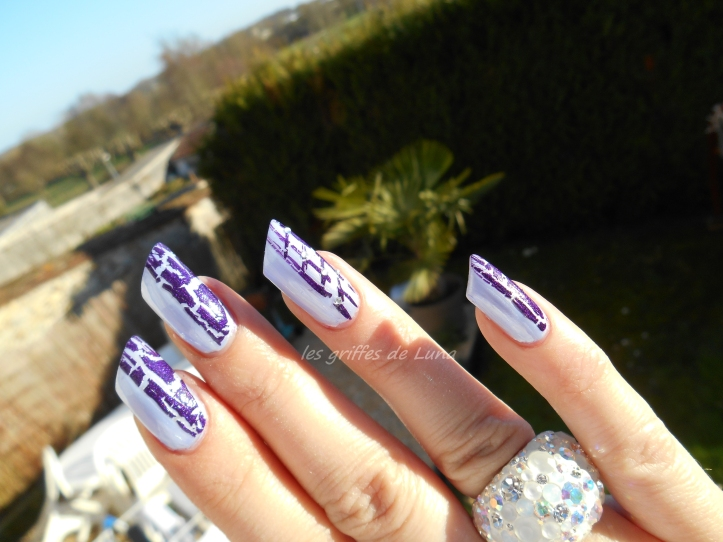 Nail art Purple crakle 5