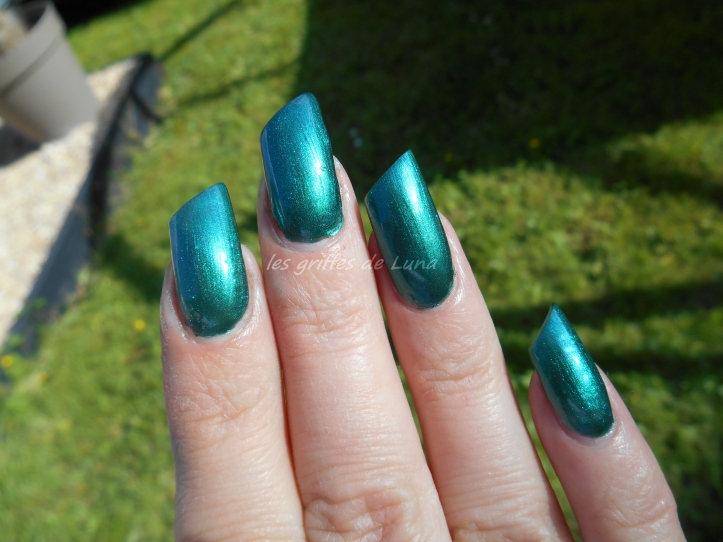 KIKO 3535 Metallic british green 2