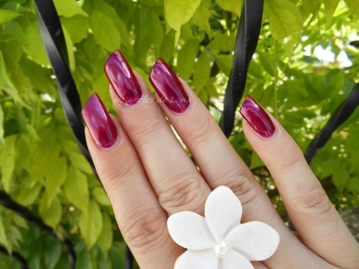 KIKO 495 Pearly vanda burgundy 4