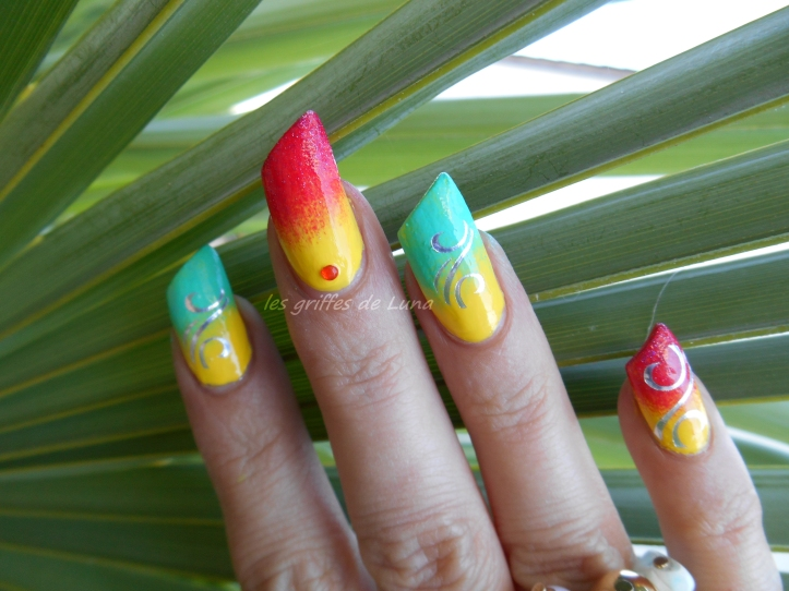 Nail art Arabesques fruitées 5