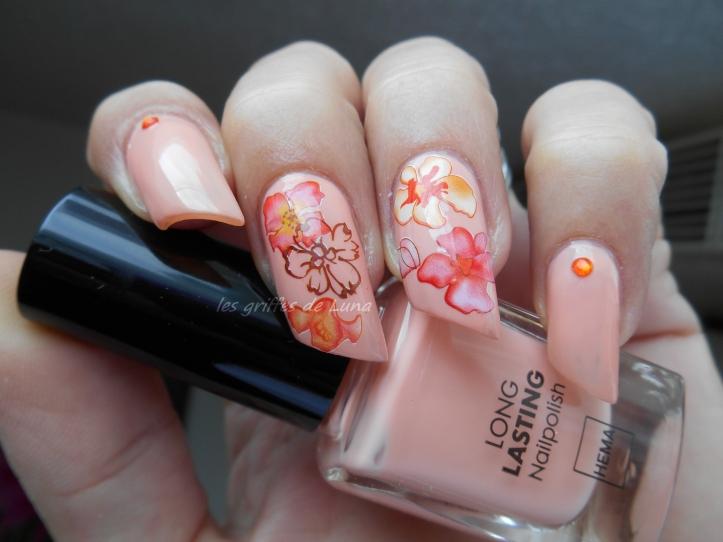 Nail art Accent fleuri 1