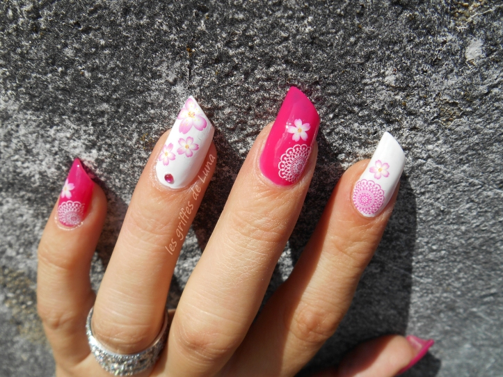 Nail art Girly Flowers 4