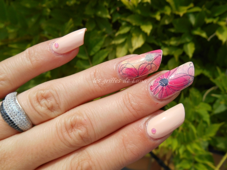 Nail art Douceur fleurie 2