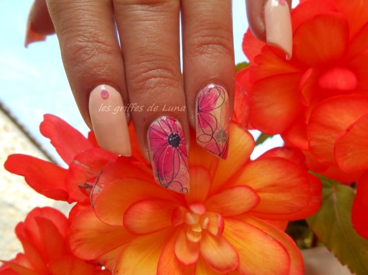 Nail art Douceur fleurie 3