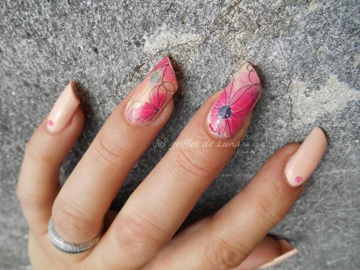 Nail art Douceur fleurie 4