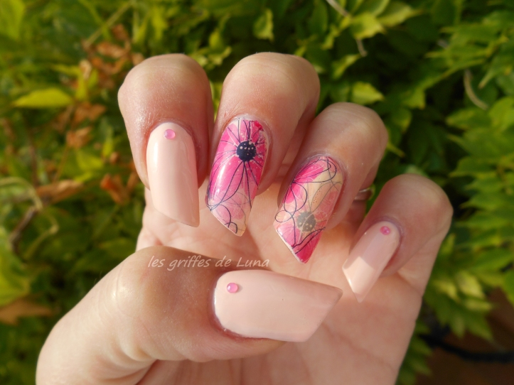 Nail art Douceur fleurie 5