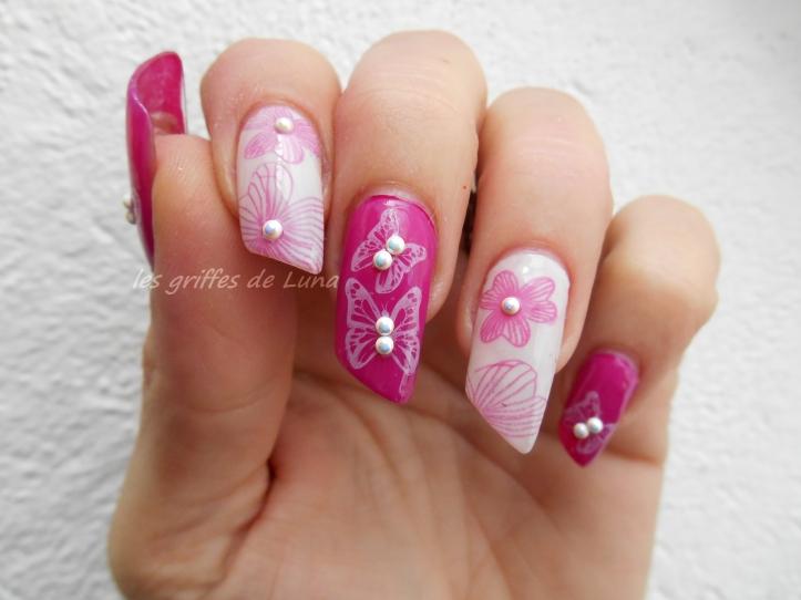 Nail art Fleurs & papillons perlés 2