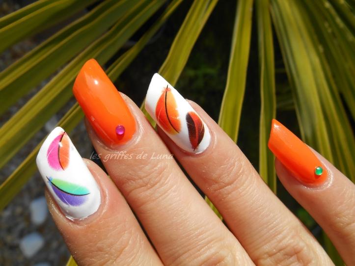 Nail art Plumes d'été 1