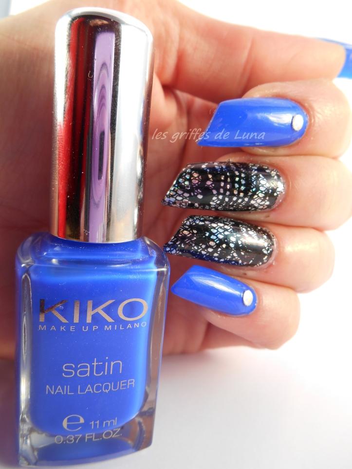Nail art Dentelle & bleu 4