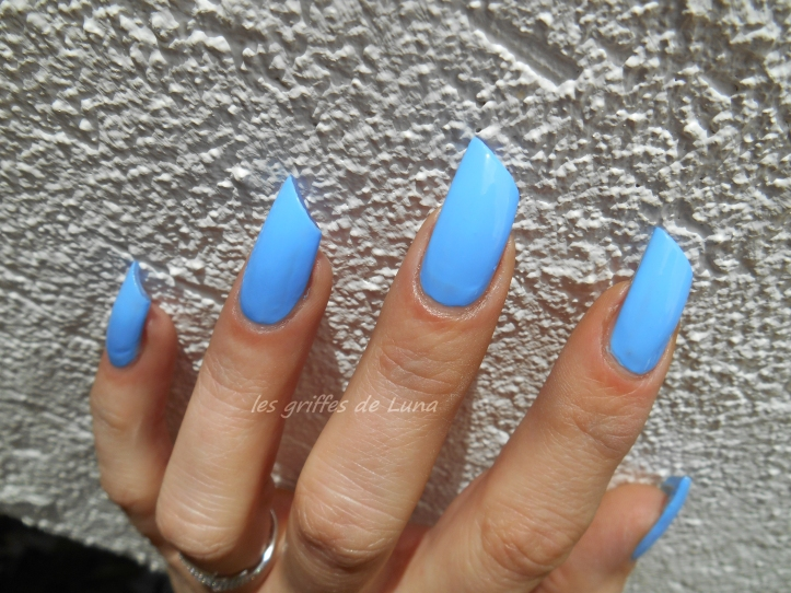BARRY M Gelly Blueberry 3