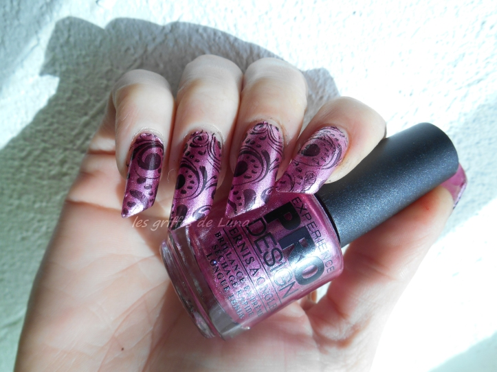 Nail art Baroque 1