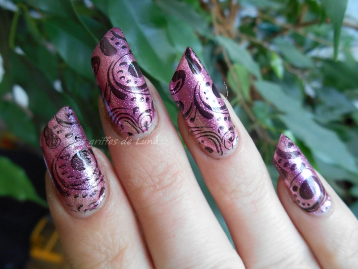 Nail art Baroque 4