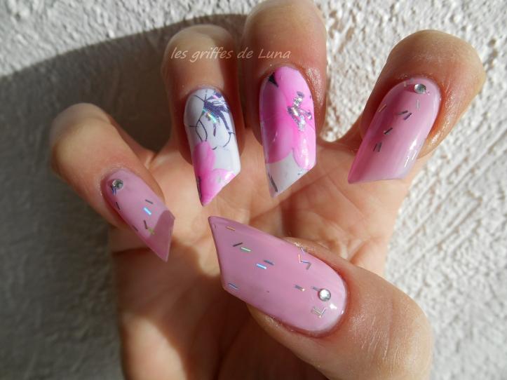 Nail art Rose fleuri 2