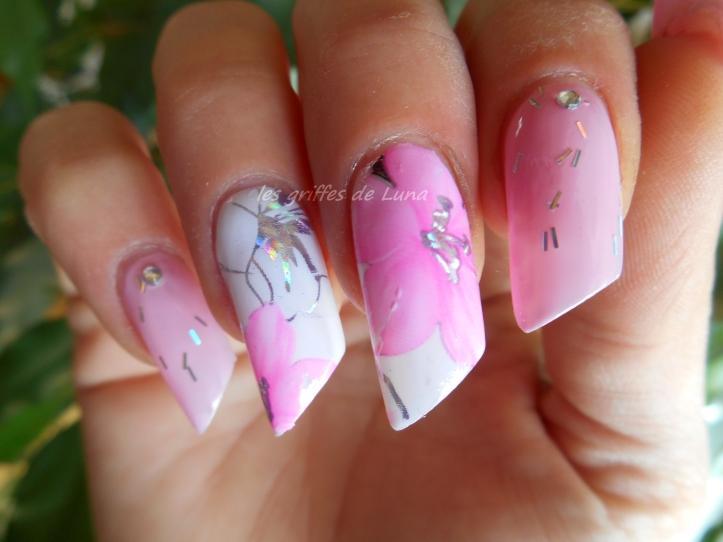 Nail art Rose fleuri 5