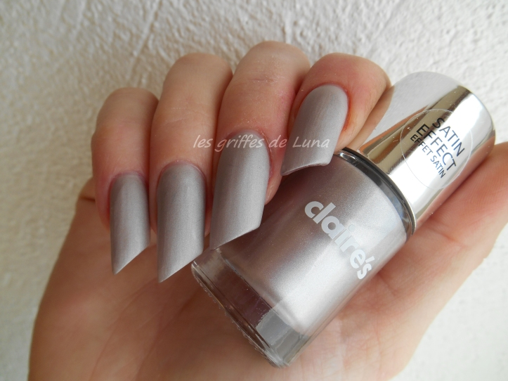Claire's Oyster satin 1