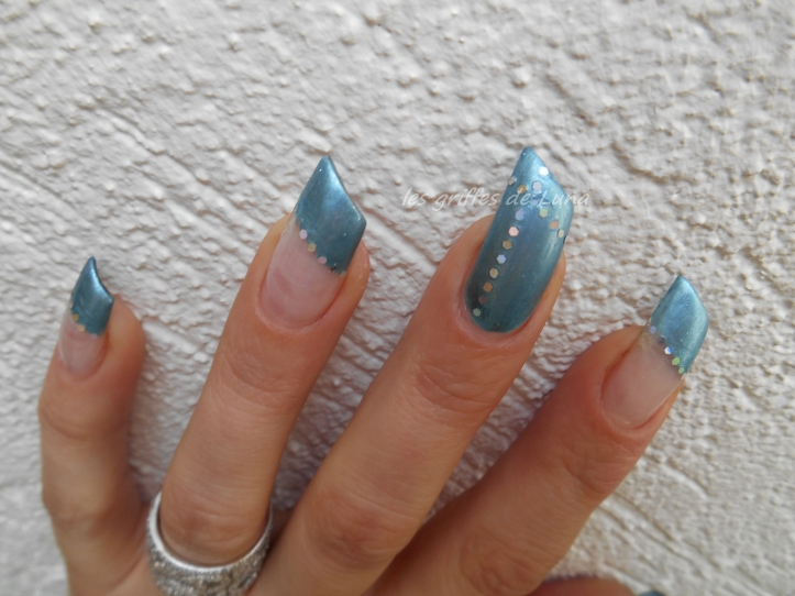Nail art French simple 3