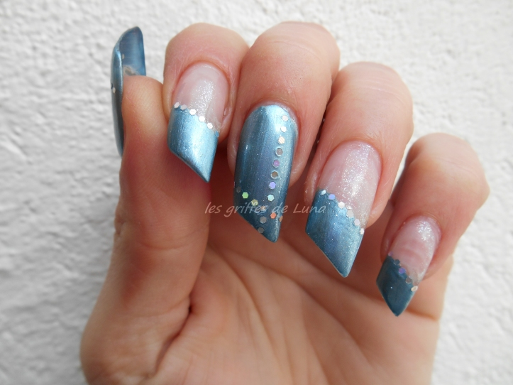 Nail art French simple 4